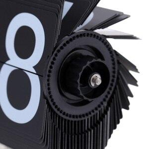 Image 4 - Flip דיגיטלי שעון קטן בקנה מידה שולחן שעון רטרו Flip שעון נירוסטה Flip הפנימי Gear מופעל קוורץ שעון בית תפאורה