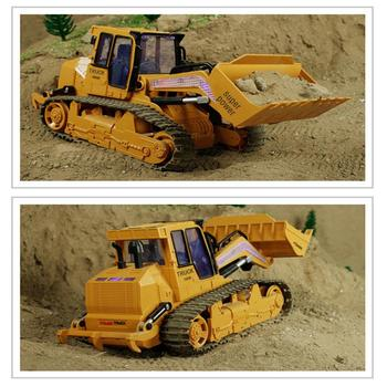 XM-6822L RC Truck 6CH Bulldozer Caterpillar Tractor Car Model Engineering Car With Lighyt Toy Equipped With USB Charging Cable