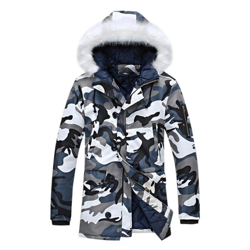 Camo Cappuccio Con Spessore Degli 2018 Vestiti Giubbotti Blu Allentato Inverno  Caldo Stampa Lampo Camouflage Lungo Formato Della Uomini Cappotti Di ... 3a4f51cc1a14