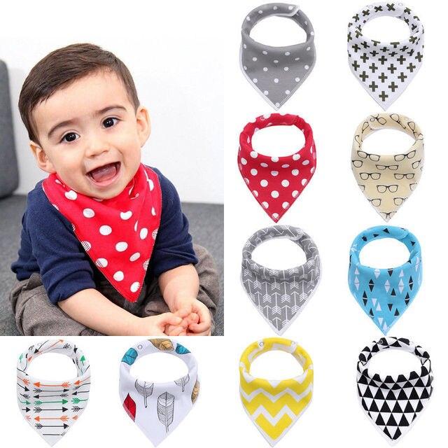 Baberos de bebé para niños de alta calidad de la historieta de alimentación de la cabeza de la bufanda de la toalla babero niño niña baberos Bandana de la Saliva triángulo bufanda del bebé