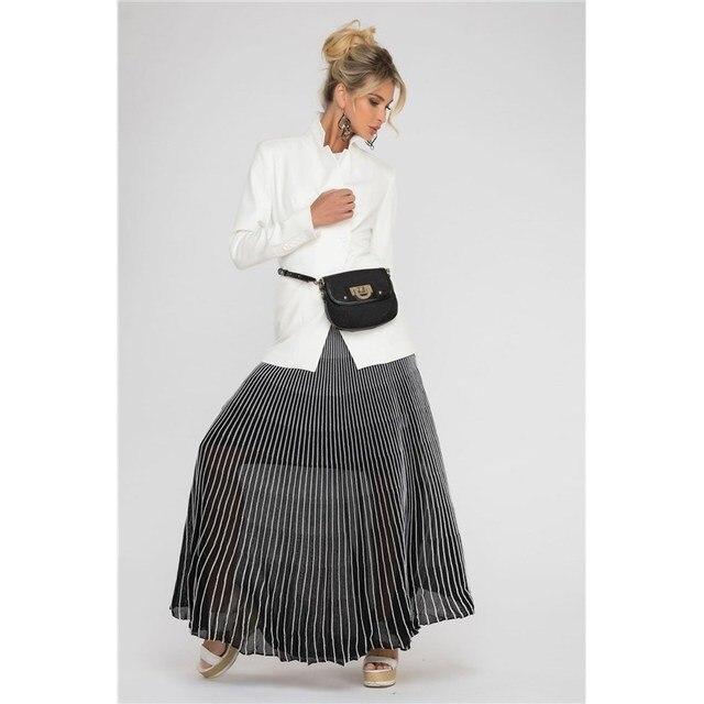 Длинная юбка плиссе.