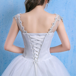Image 5 - Luxury Plus Size Wedding Dress Elegant Lace Appliques V neck Beading Wedding Gowns 2020 Crystal Lace Up White Vestido De Noiva