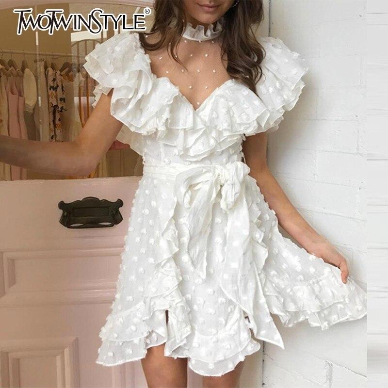 TWOTWINSTYLE Élégant Mini robe pour femmes col montant Manches À Volants Taille Haute robes bandage Femme Style Doux 2019 D'été
