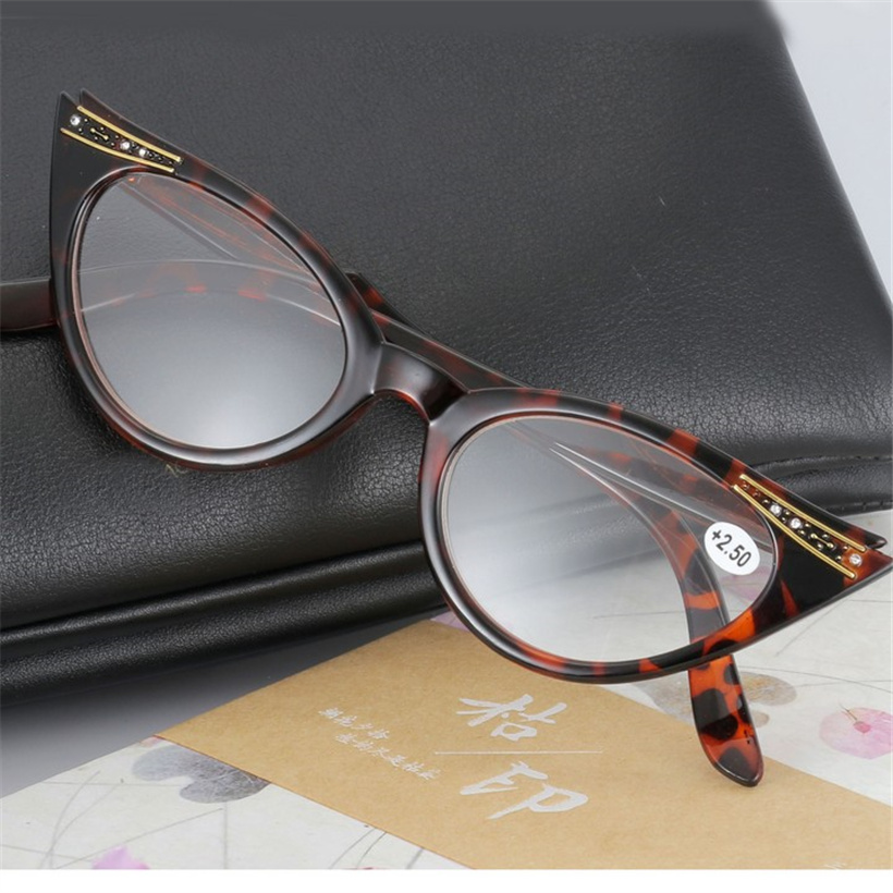 abcae23055 XojoX Vintage Reading Glasses for Men Women Hyperopia Presbyopic Spectacles  Diopter 1.0 1.5 2.0 2.5 3.0