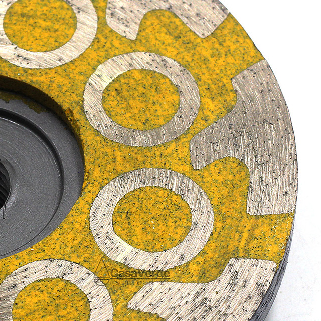 Diamond turbo grinding discs for grinding and polishing stone