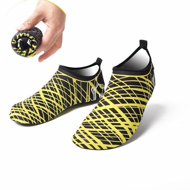Piscina de agua zapatos de mujer hombres playa Aqua zapato descalzo sensación adulto calzado de deportes al aire libre zapatillas de deporte L8888SPZ