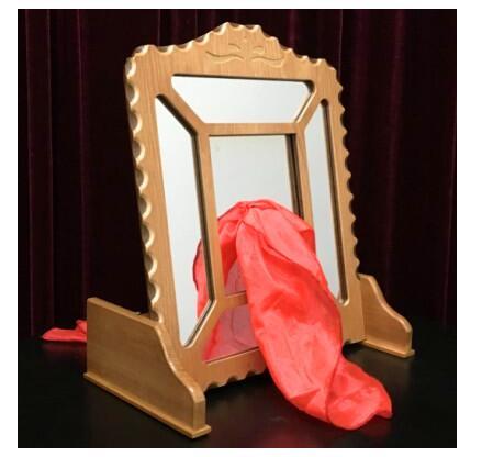 Miroir de soie à travers-gros plan tours de magie, tours d'illusion, apprenti magicien d'illusion, accessoires de magie pour magiciens