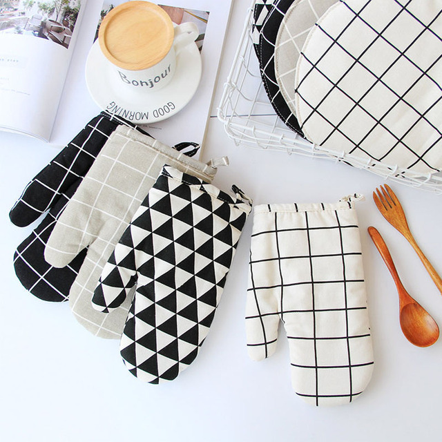 1 Piece Cute Non-slip Yellow Gray Cotton Fashion Nordic Kitchen Cooking microwave gloves baking BBQ potholders Oven mitts 2