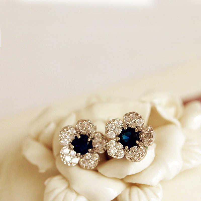 女性のスタッドピアス花の形の真珠のアクセサリー女性女の子エレガントなファッション宝石類のギフト