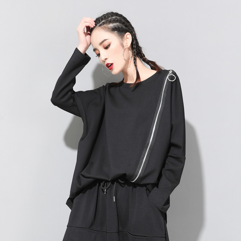 [EAM] 2020 New Spring Autumn Round Neck Long Sleeve Black Oblique Zipper Irregular Hem Big Size T-shirt Women Fashion Tide JQ706 4