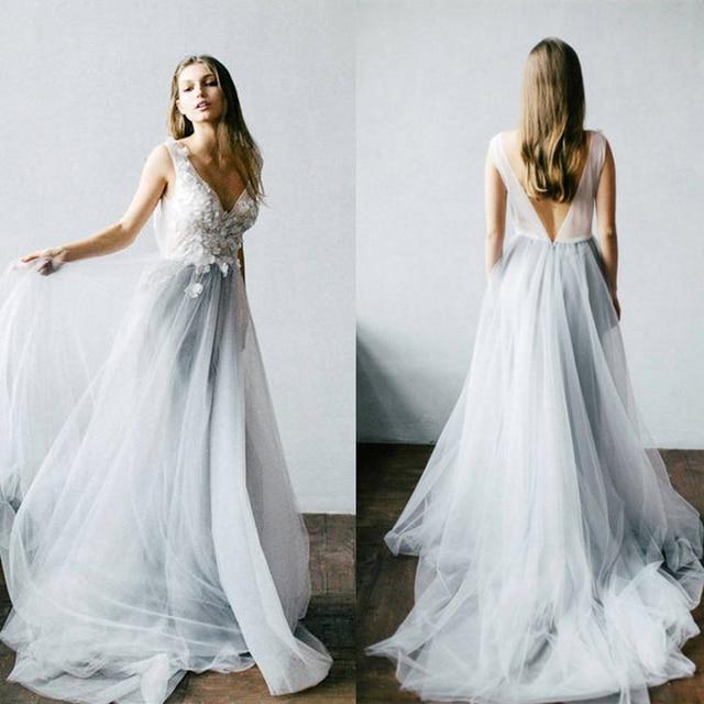 Dusty Blueดอกไม้งานแต่งงานชุดTulleกระโปรงVคอชุดเจ้าสาวBoho Bohemian Lorie Gownsแต่งงานโรแมนติกแขนกุด
