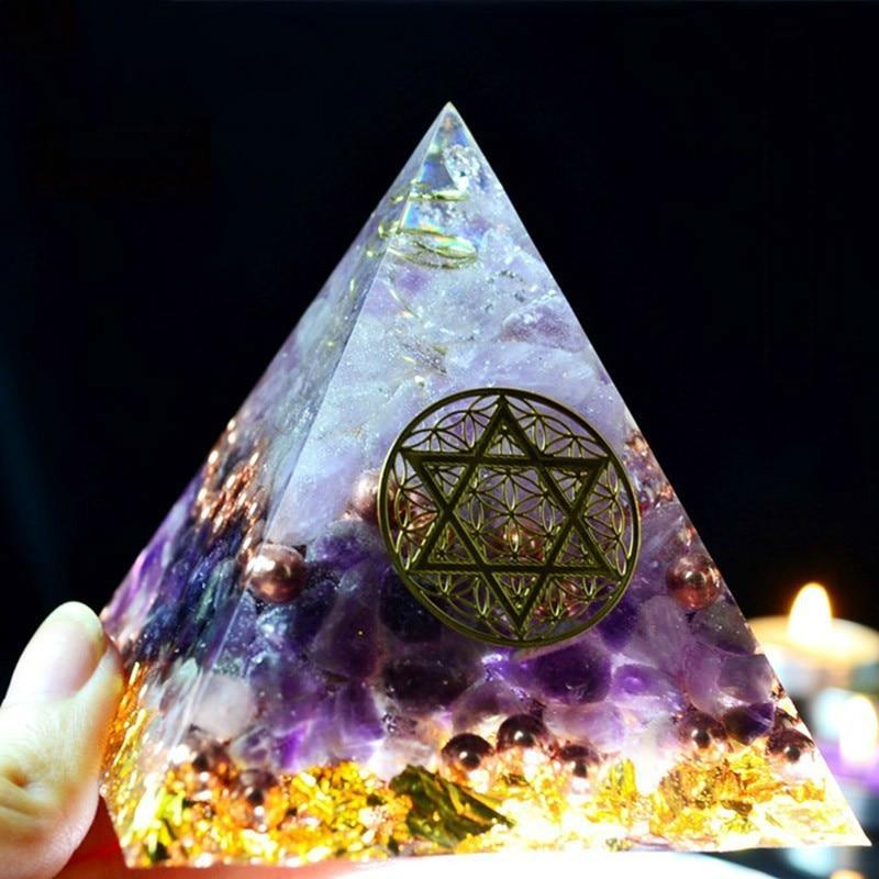 Aurareiki Orgonite Pyramid Amethyst Sahasrara Chakra Jeremiel Natural White Crystal To Improve Mood Resin Pyramid Crafts C0146