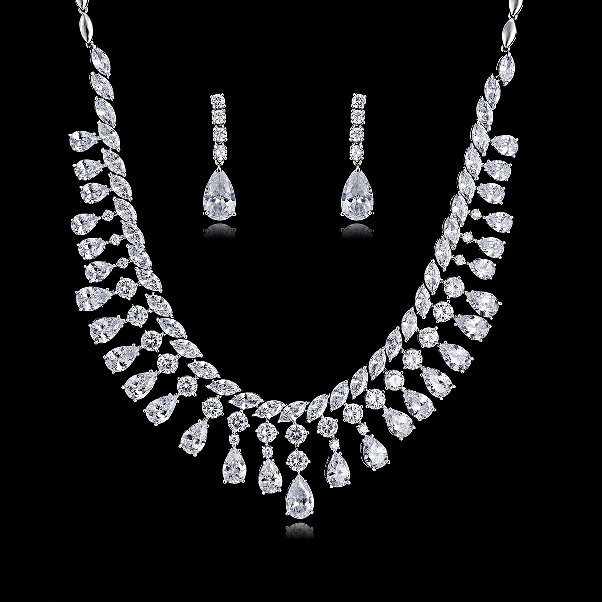 Trendy Crystal CZ Cubic Zirconia Bridal Wedding Drop Necklace Earring Set for Women Accessories CN10179Trendy Crystal CZ Cubic Zirconia Bridal Wedding Drop Necklace Earring Set for Women Accessories CN10179