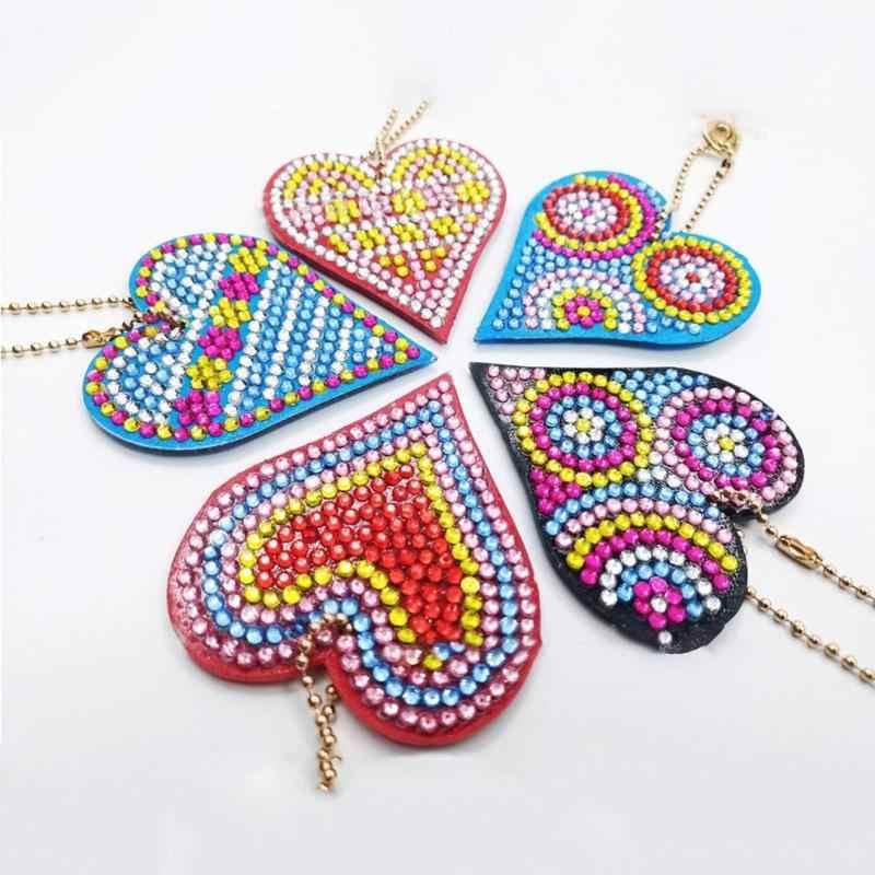 5 pçs/set DIY Pintura Broca de Diamante Completa Chaveiro Chave Anel de Presente Do Amor Do Coração do Ponto da Cruz do Bordado Diamante Artesanato Em Mosaico