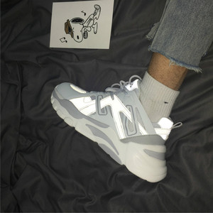 Image 2 - Ins Daddy Shoes Men Reflective Sneakers Summer Zapatillas Deportivas Hombre Fashion Breathable Casual Shoes Sapato Masculino