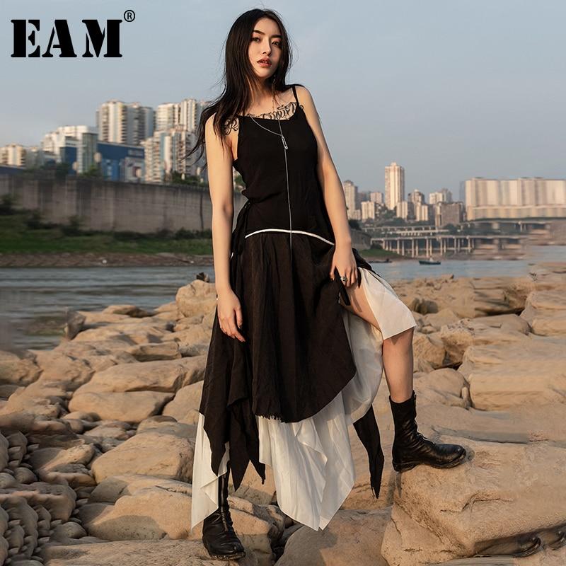 [EAM] 2020 New Spring Summer Spaghetti Strap Lack Line Split Jont Irregular Hem Vent Cut Style Dress Women Fashion Tide JU439