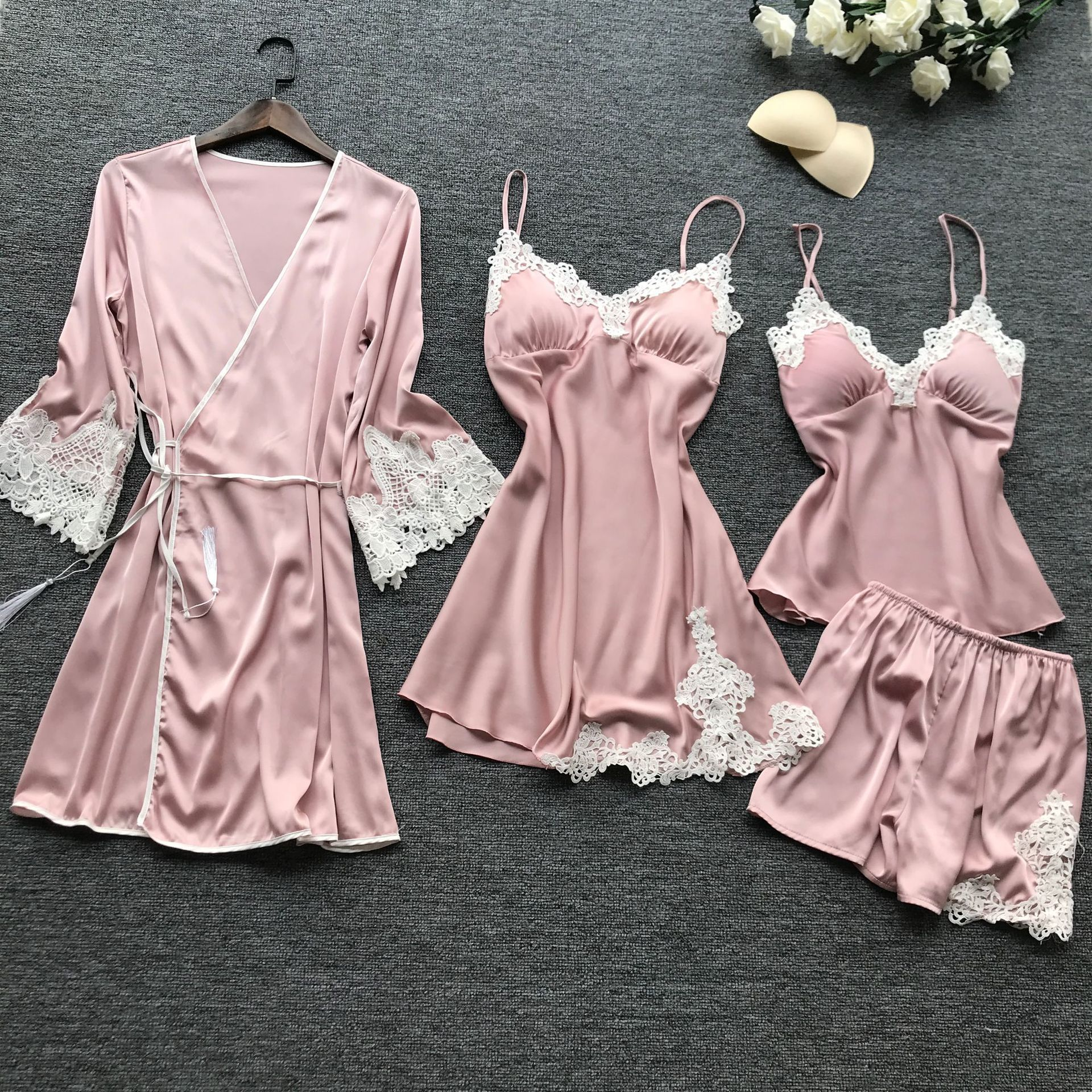 2019 Summer New 4 Pcs Stain Lace Sexy Women Pajamas Spaghetti Strap With Chest Pad Nightgown