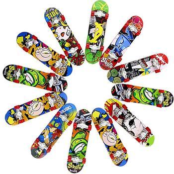 1pc Mini Fingerboards Mini deskorolka matowa powierzchnia losowy kolor Mini Finger Skate zabawka dziecięca kolor losowo tanie i dobre opinie MINOCOOL RUBBER Colour Random color random 3 74*0 98in Finger rowery Dorośli