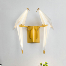цены Gold Creative Art Wall Lamp Bird Paper Crane Shape Living Room Bedroom Bedside Wall Mount LED Light Mirror Front Lamps AC 220V
