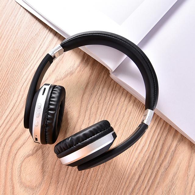 Auriculares Inalámbricos Plegables con Micrófono