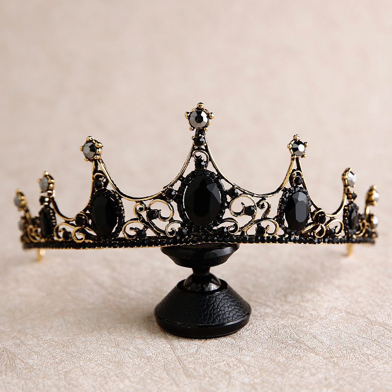Queen Baroque Black Crown