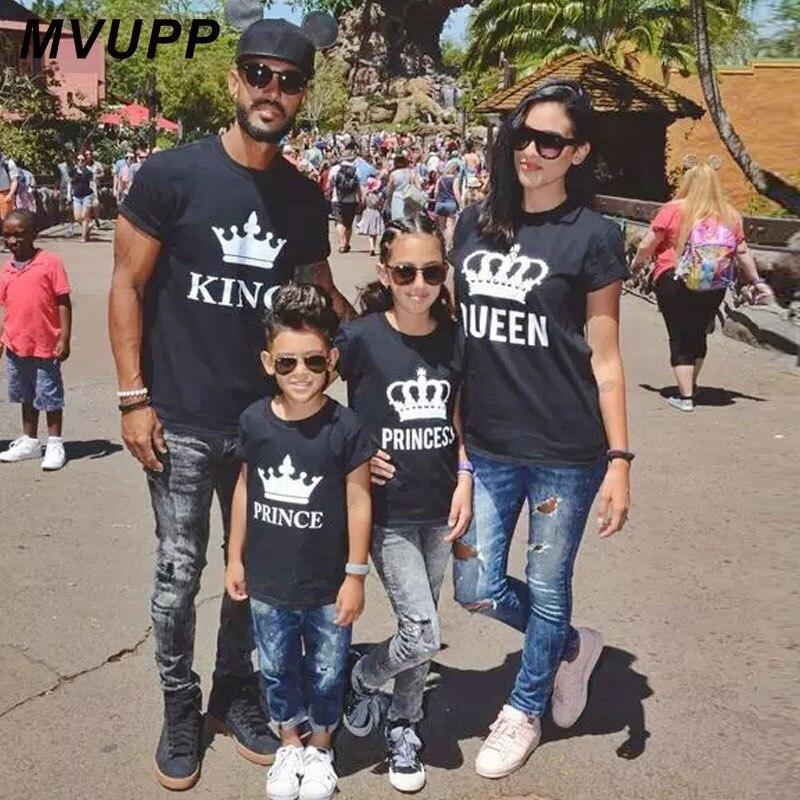 Familia juego ropa trajes mira padre madre hija hijo corona camiseta ropa papá mamá y yo vestidos de bebé Rey reina