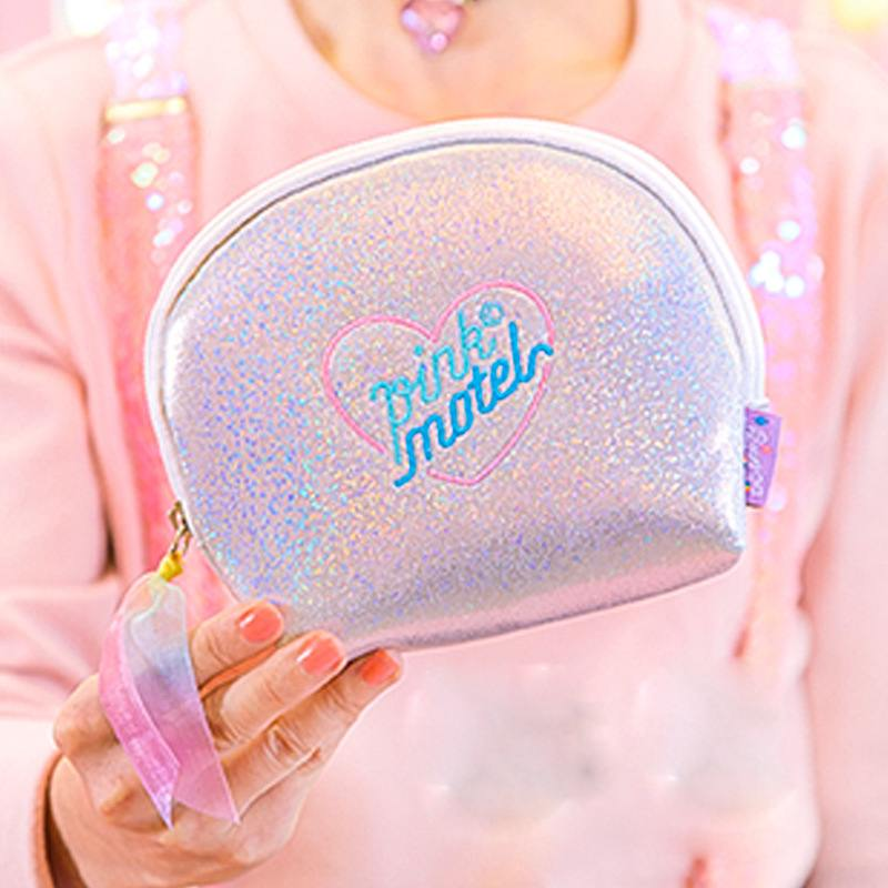 ebb849ecc197 US $2.85 27% OFF|Silver Hologram Laser Cosmetic Bag Women Makeup Organizers  Washroom Bag Girl Cute Shell Cosmetic Storage Purse Lady Small Pouch-in ...