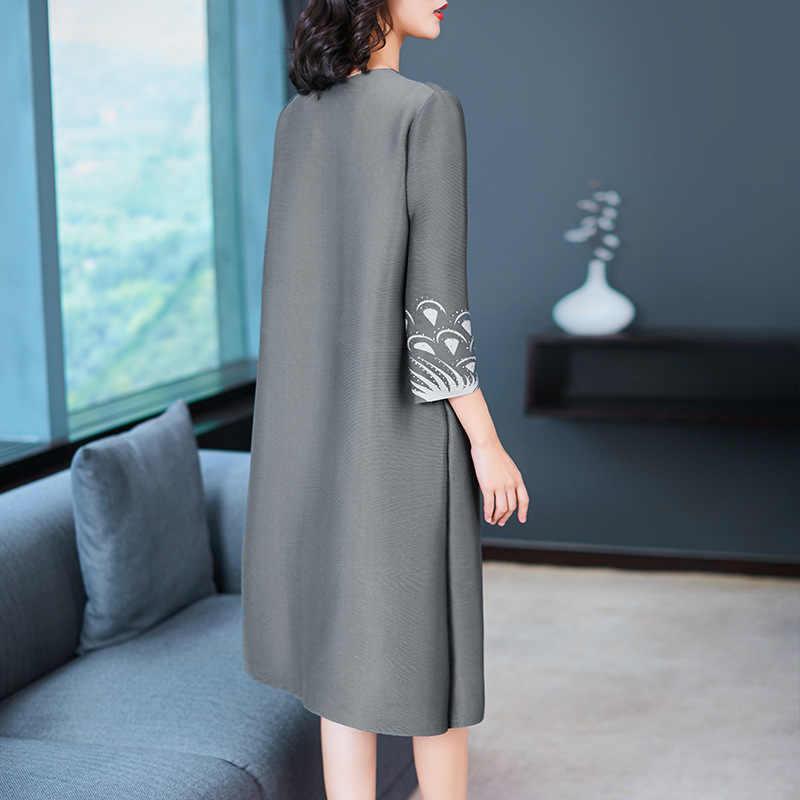 LANMREM модная плиссированная одежда для женщин 2019 новое платье с круглым воротом с принтом женское платье три четверти рукав свободное Vestido YG551