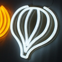 علامات النيون مخصصة أضواء النيون مرنة تصميم علامة النيون الخاصة بك للحصول على علامات تأثير في الهواء الطلق المستخدمة