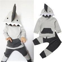 От 6 месяцев до 4 лет Дети для маленьких мальчиков осенняя одежда с акулой или с длинными рукавами Топы с капюшоном, толстовки, Штаны Осень наряды для маленьких детей тренировочный костюм 2 предмета в комплекте, комплект одежды для малышей, детский спортивный костюм