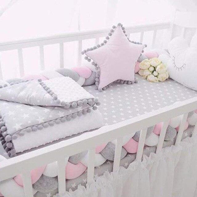 Paragolpes de cuna de bebé anudado trenzado de felpa cuna de guardería decoración recién nacido regalo almohada cojín cama Junior parachoques del sueño (2 metros ¡whi