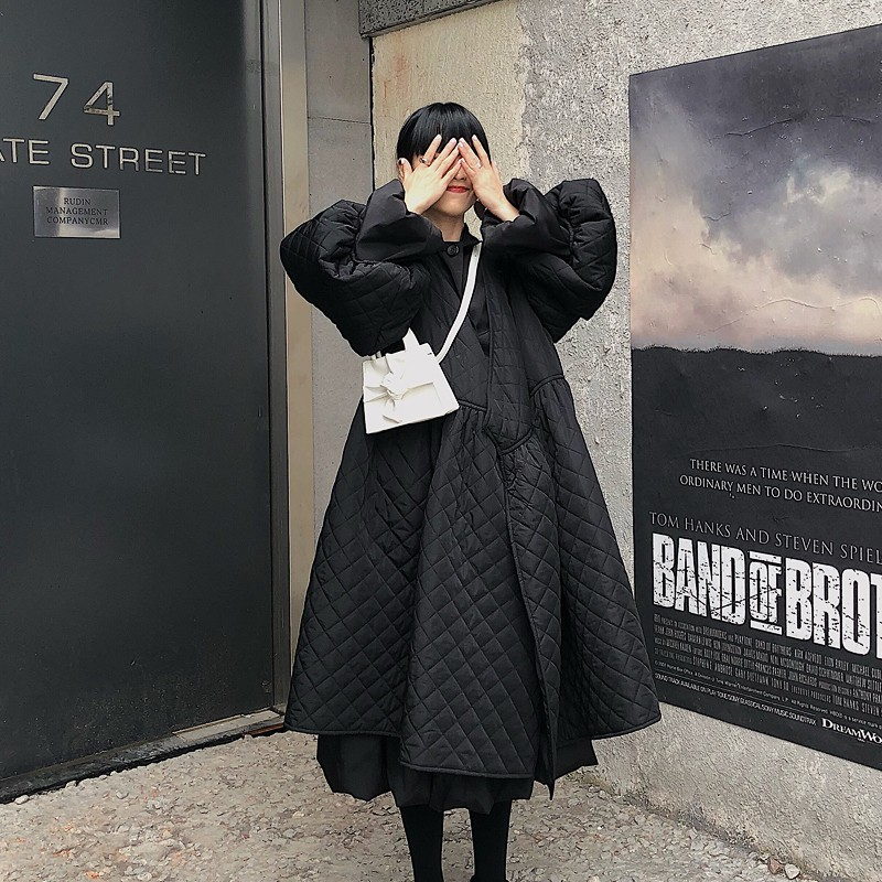 SHENGPALAE 2019 Black Korean Fashion Jackets New Spring V Collar Half Sleeve Loose Big Personality Large Hem Coat Women JL103
