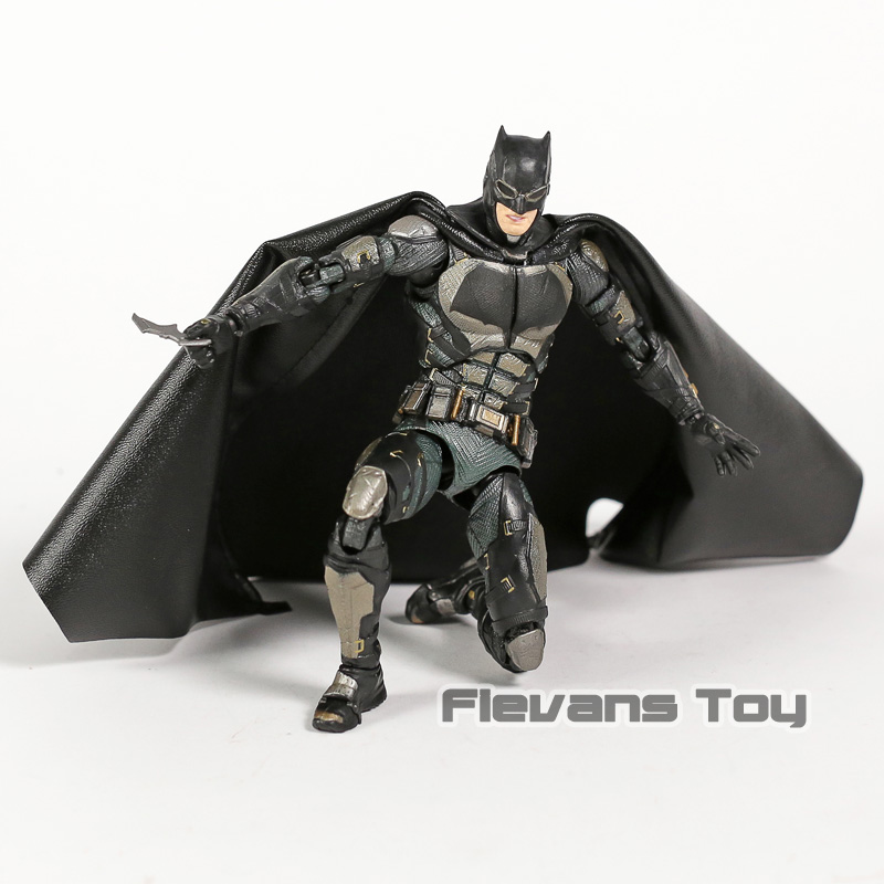 Justice League The Dark Night Batman MAFEX 064 Tactical Suit PVC Action Figure Resin Collection Model Toy Doll Justice League The Dark Night Batman MAFEX 064 Tactical Suit PVC Action Figure Resin Collection Model Toy Doll
