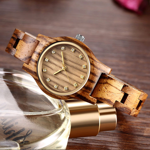 Reloj Femenino New Design Wood