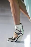 Sestito Леди Блестящий Кристалл на высоком каблуке свадебные туфли женская обувь с острым носком с вырезами Женские сандалии, ботинки ботильон