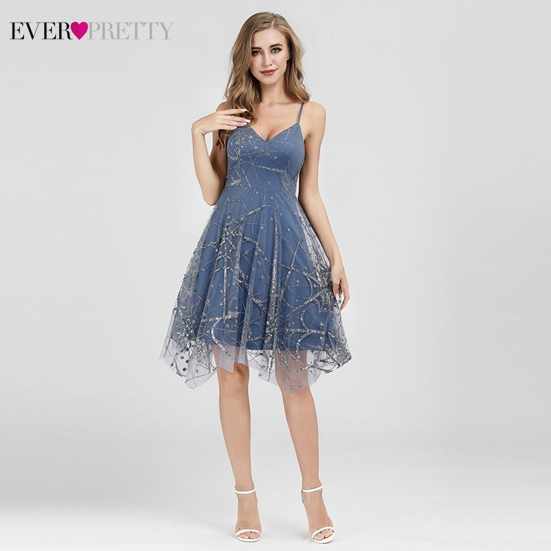 Sexy   Cocktail     Dresses   Deep V-Neck A-Line Spaghetti Strap Sleeveless Sequined Tulle   Dresses   Cheap Sparkle Summer Party   Dresses