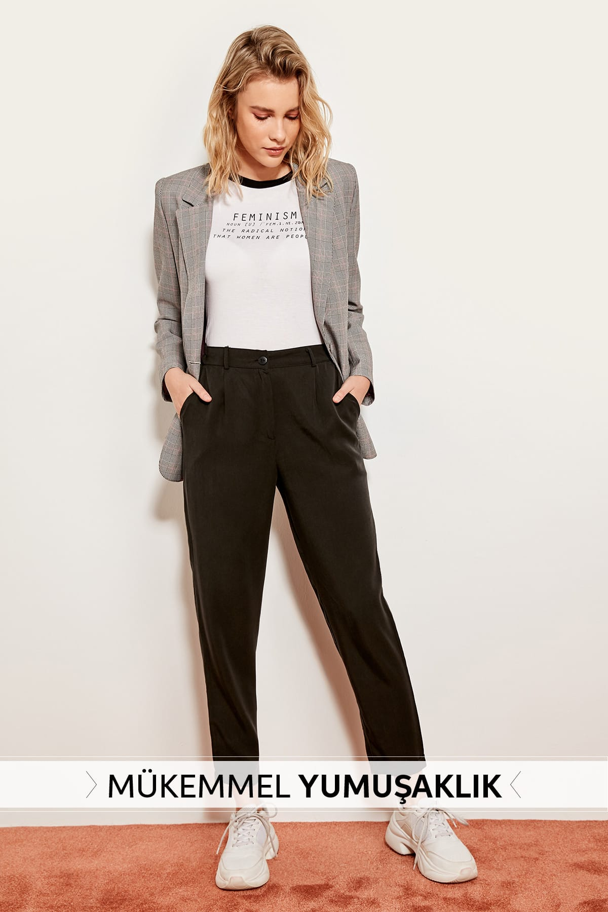 Trendyol Black carrot pants Lyocell TOFSS19ST0009