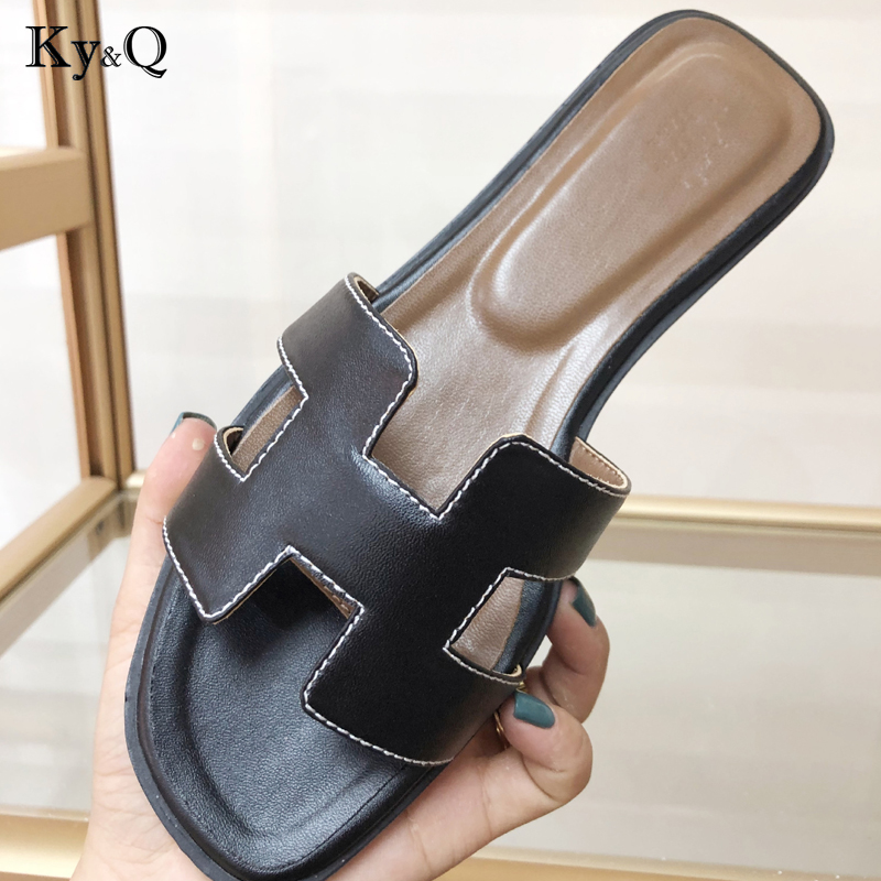 2019 Luxury brand new slippers cut out summer beach sandals Fashion women slides outdoor slippers indoor slip ons flip flops2019 Luxury brand new slippers cut out summer beach sandals Fashion women slides outdoor slippers indoor slip ons flip flops