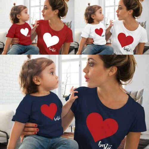 Одежда для мамы и дочки; одинаковые комплекты для семьи; футболка; мягкие хлопковые топы с принтом в виде сердца для маленьких девочек