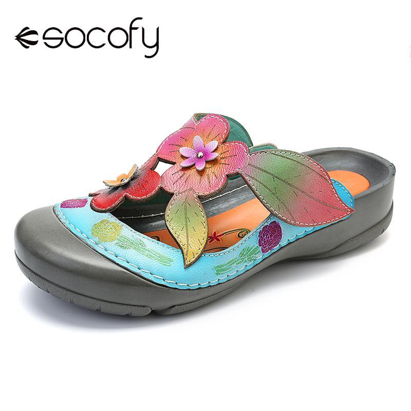Socofy Couro Genuíno Retro Splicing Flores Padrão Costura Ajustável Gancho Loop Sandálias Casuais Vintage Sapatos Planos Feminino Novo
