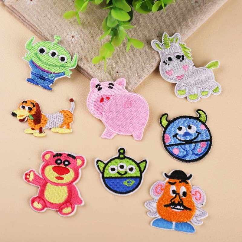 PGY 1PCS Animal series high quality Cartoon Patches Little monster Embroidered Mark Pink pig Embroidery Badge Cute bear Patch