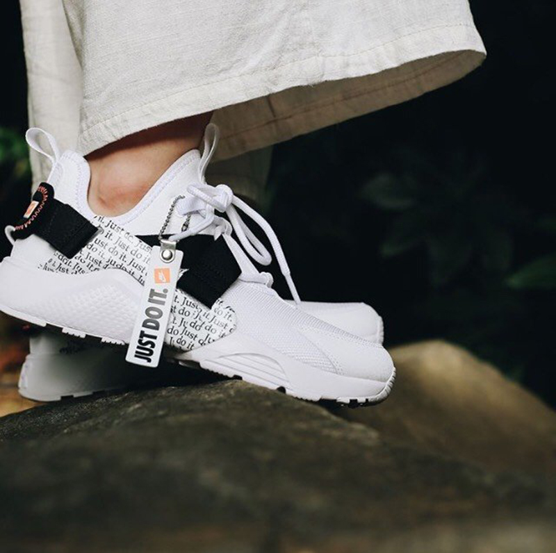 buy online c5803 8363b Original Authentic Nike Air Huarache City Low Prm Just do it Women s  Running Shoes Sneakers Good Quality 2018 New Arrival AO3140-in Running  Shoes from ...