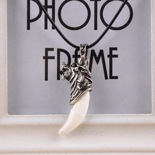 Vintage Fashion Brave Man Wolf Tooth Necklace Pendant for Man Retro Wolf Tooth Dragon Alloy Pendant Necklace~
