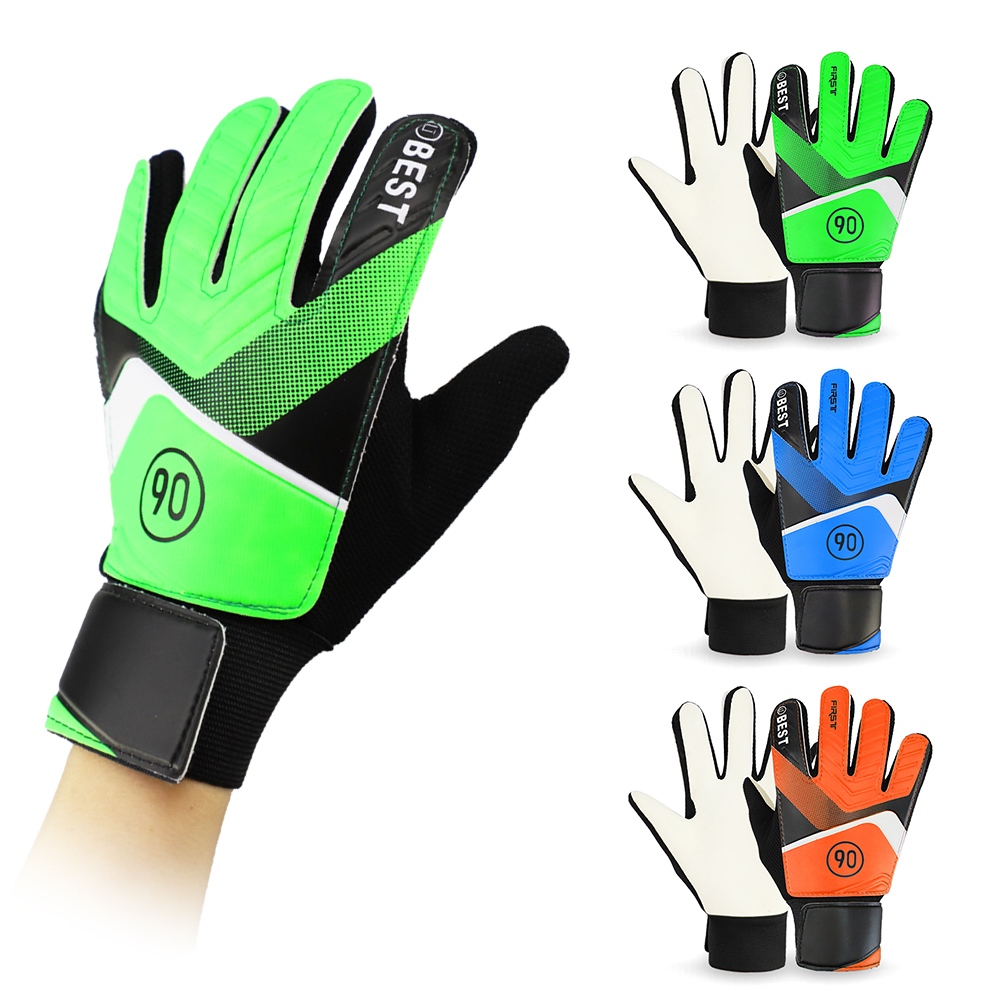 New Professional Kid's Soccer Gloves Finger Protection Latex Soccer Goalie Gloves Teenagers Breathable Sports Gloves 2019