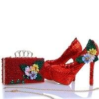 Новый дизайн красный горный хрусталь каблуки с подходящая сумочка Аппликации и кристаллами Свадебная обувь туфли лодочки для вечеринок с м