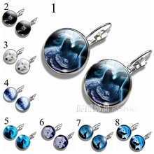 Fashion Wolf Howling At The Moon Hook Stud Earring Hooks Round Silver Plated 16 MM Glass Cabochon Dome Women Lover Gift
