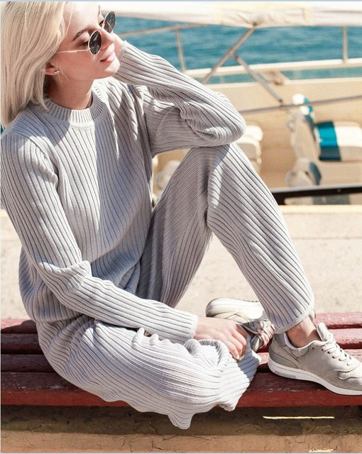 Women Winter Warm Knitted Suit Causal Solid O Neck Pullover Sweater Flare Pants Casual Loose 2 Piece Sweater Sets