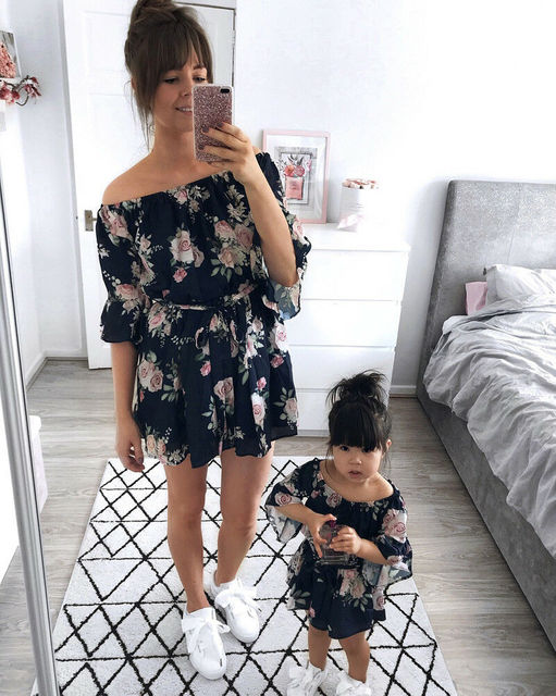 2019 Mom Girl Summer Family Matching Dress Clothes Floral Mother Daughter Dresses Women Girl Short Sleeve Flower Clothes