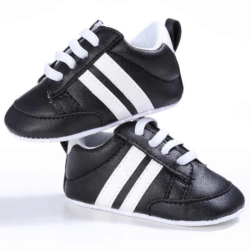Детская обувь из искусственной кожи обувь спортивная, кроссовки для новорожденных Для маленьких мальчиков платье для девочек в полоску узор обувь для новорожденных мягкая противоскользящая обувь