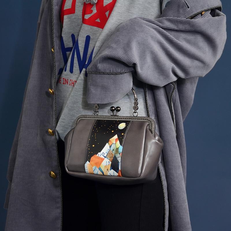Beautiful Moonlit Night Printing Retro Frame Clasp Woman Handbag Metal Shoulder Messenger Bag Girls Casual Small Bag in Top Handle Bags from Luggage Bags